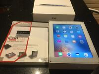 Apple iPad 4th gen wifi and CELLULAR 32gb immaculate condition boxed and case
