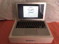 Apple Macbook Air 11inch (2014) 4GB Ram 1.4Ghz 128 of Flash storage