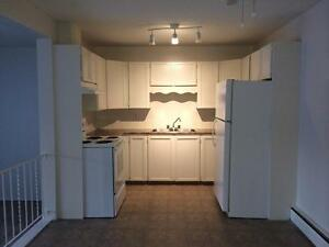 Spacious 2BD townhouse is on promotion! We pay for utilities!