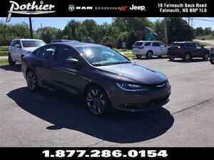 2016 Chrysler 200 S | LEATHER | HEATED SEATS | REAR CAMERA |