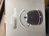 Swan black retro kettle