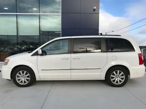2013 Chrysler Town & Country Touring *STOW N GO* DVD*