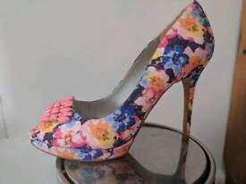 Bourne summer high heel
