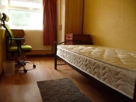 en suite double room .Clapham area