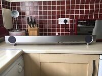 yamaha sound bar 120w - virtual 7.1 remote control . 2 built in subwoofers . great bit kit