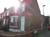 1 bedroom flat in Blowers Green Road, Dudley, West Midlands, DY2