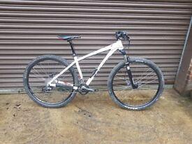 Vitus zircon 29r suspension mountain bike - Recently Serviced / Lot's of upgrades