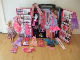 Barbie Wardrobe with clothes, dolls and accessories