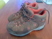 North Face Boys/Girls Hiking Boots UK Size 1
