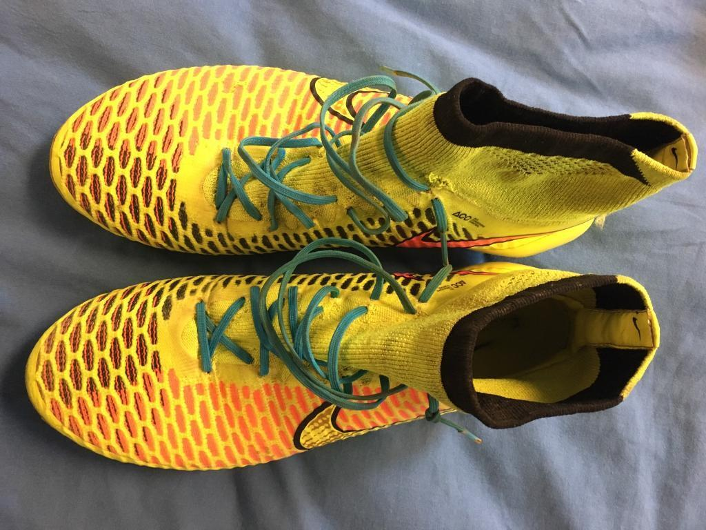 Mens football boots size 9in Portland, DorsetGumtree - A pair of original colour way Nike Magistas size 9 soft ground, still in amazing condition and a beautiful boot to play in. Selling cheap as I need the room. Can be posted as long as postage costs are covered