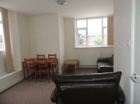 Newport Road, Roath - 2 Bedroom First Floor Flat 2 Bathrooms **NO AGENCY FEES**