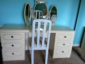 ART DECO STYLE DRESSING TABLE WITH MIRROR & CHAIR.