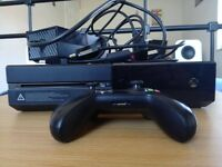 X-Box One /500GB/ Comes with: 1 controller