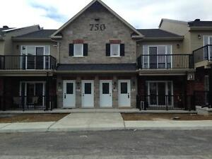 Lovely 2 bedroom condo for rent -Rockland