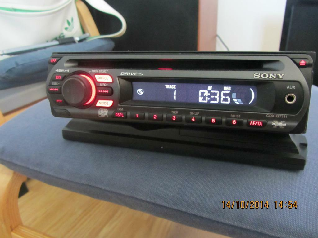 Sony xplod drive s cdx gt111 cd mp3 aux in car stereo for Mercedes benz c550 for sale