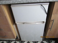 UNDER COUNTER FRIDGE/FREEZER