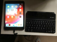 iPad Mini 3 16GB in good condition with stand case protector and detachable keyboard