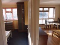 BIGG 5 BEDROOM FLAT TO LET AVAILABLE NOW !! BEWARE OR BE SQUARED !! £1,985 Heathcote Ave, Ilford