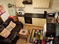 ROOM AVAILABLE FOR RENT IN EAST LONDON, SUITABLE FOR GOOD PEOPLE, HOUSE WITH GARDEN