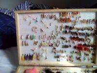 300+ fishing flies of all varieties in wooden case.