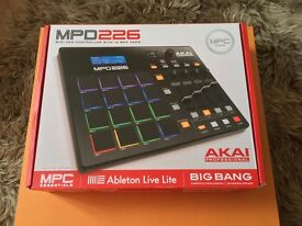 AKAI MPD226 Controller - Hardly used / Includes all cables / Free Ableton Live Lite / Original Box