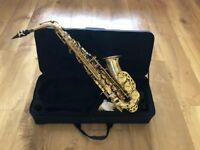 Sonata Alto Saxaphone , Excellent condition ,Great for beginners, compete with Sonata case