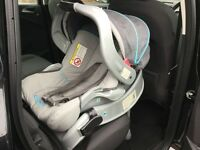 Baby Graco car seat in excellent condition!!