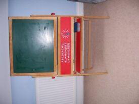 Reversible chalk board/black board
