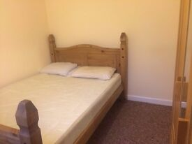 AMAZING DOUBLE ROOM AVAILABLE NOW IN EALING!!!!