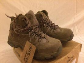 Hi Tec boots. Size 4. New