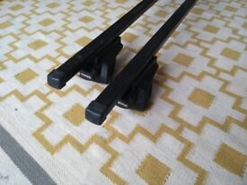 Thule roof bars and clamps for roof rails