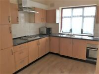 SPACIOUS 5/6 BED HOUSE TO RENT IN SEVEN KINGS! £2200 PCM