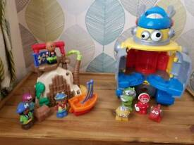 Happyland pirate and alien bundle