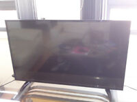 """43"""" LED TV Digihome with Freeview HD"""