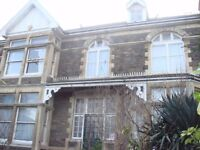 Large Bedsit room in Large Victorian former Bed & Breakfast Hotel on Bath Road Brislington