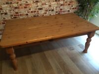 Lovely large solid pine coffee table, vgc