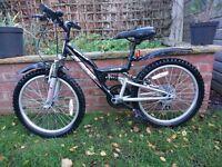 "Apollo RS80 20"" wheels kids bike"