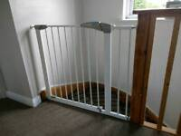 2 Lindam stair gates and 1extension