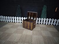 SOLID WOOD SMALL TREASURE BOX VERY SOLID IN VERY GOOD CONDITION 39/29/34 cm £15