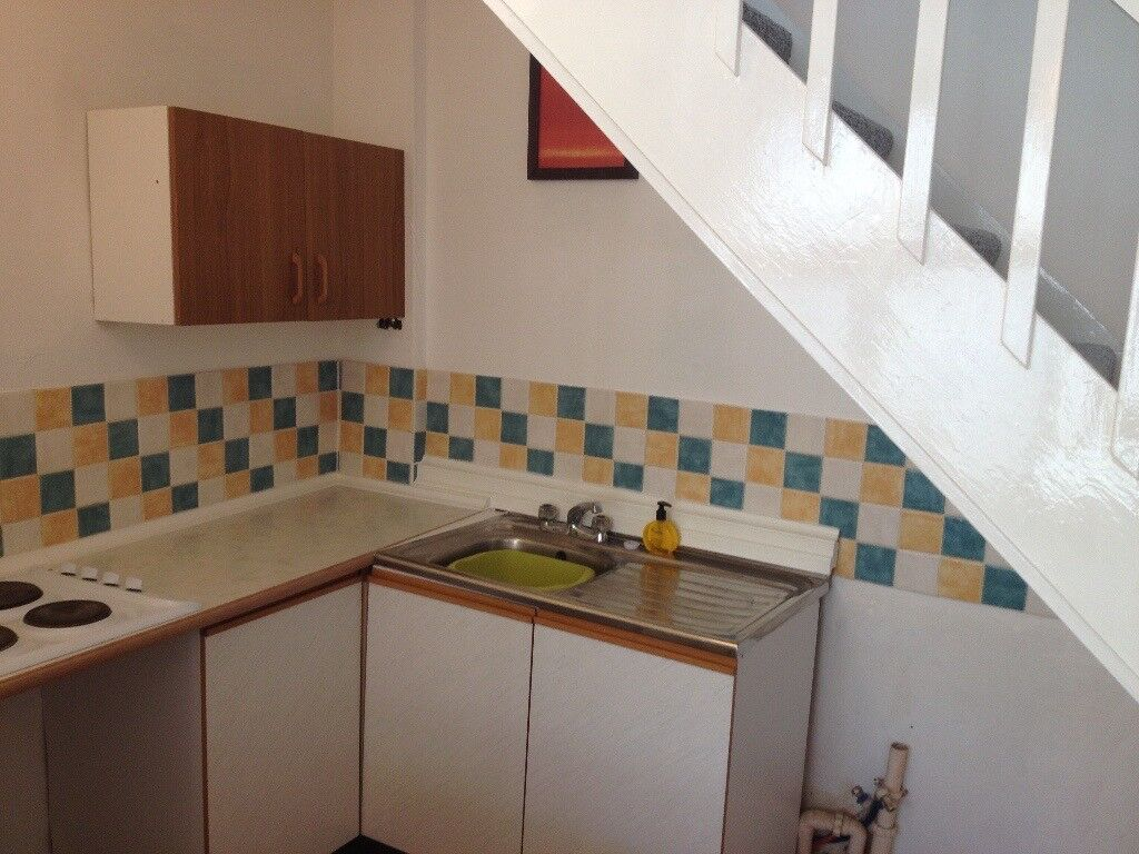 One bedroom flat in central torquay