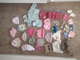 0-24 Months Hats, Gloves, Assorted Baby Items, Approx 35 Items