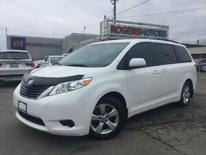 2013 Toyota Sienna LE 8 PASS - DVD - PWR DOORS