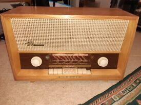 Vintage Grundig Hi-fi Valve Radio model 3025