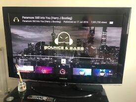 40 inch Samsung LCD TV. Great condition.