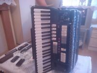for sale accordion acustic and electric in good condytion zero sette 120