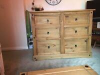 BEDROOM CHEST OF DRAWS