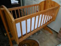 Rocking crib in pine good condition includes mattress
