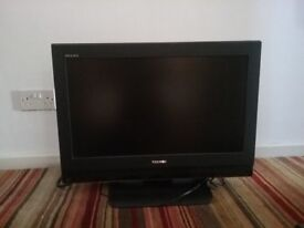 Toshibe tv and stand. 28 inch. Excellent picture, selling due to an upgrade for football and tennis!