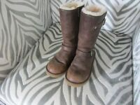 "Used Ugg boots, size 1, 10"" high, £15. Exeter Devon, Tele 07581 280907"