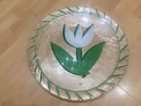 Kosta Boda Sweden Ulrica Hydman-Vallien Art Glass Tulip white plate